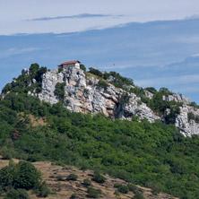 Параклис Свети Димитър, близо до Асеновград, Пловдивска Област - Снимки от България, Курорти, Туристически Дестинации