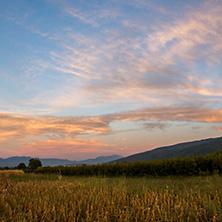 Петричка котловина, залез - Снимки от България, Курорти, Туристически Дестинации
