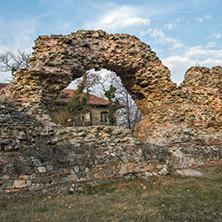 Хисаря, останки от древна крепостна стена, Област Пловдив - Снимки от България, Курорти, Туристически Дестинации