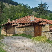 Стара къща в Жеравна, Област Сливен - Снимки от България, Курорти, Туристически Дестинации